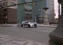 フィエスタSTレースカーでケンブロックが市街地でド派手ドリフト