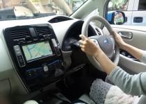 [XaCARブログ] 電気自動車リーフに乗ってドラテク講座開始