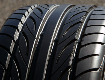 【今さら聞けない】タイヤはなぜ黒いのか