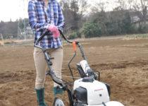 [XaCARブログ] カセットガスを燃料にして畑を耕す