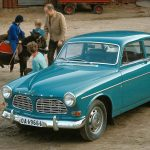 【画像】【限定200台】ボルボが名車のカラーリングをオマージュしたV40を発売