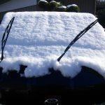 【今さら聞けない】なぜ雪が降る前にワイパーを立てるのか?