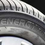 【今さら聞けない】タイヤの横に書かれている文字や記号の意味とは?