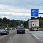 【画像】普通車にとって遅いトラックは邪魔? 高速道路で大型トラックの制限速度を引き上げない理由とは