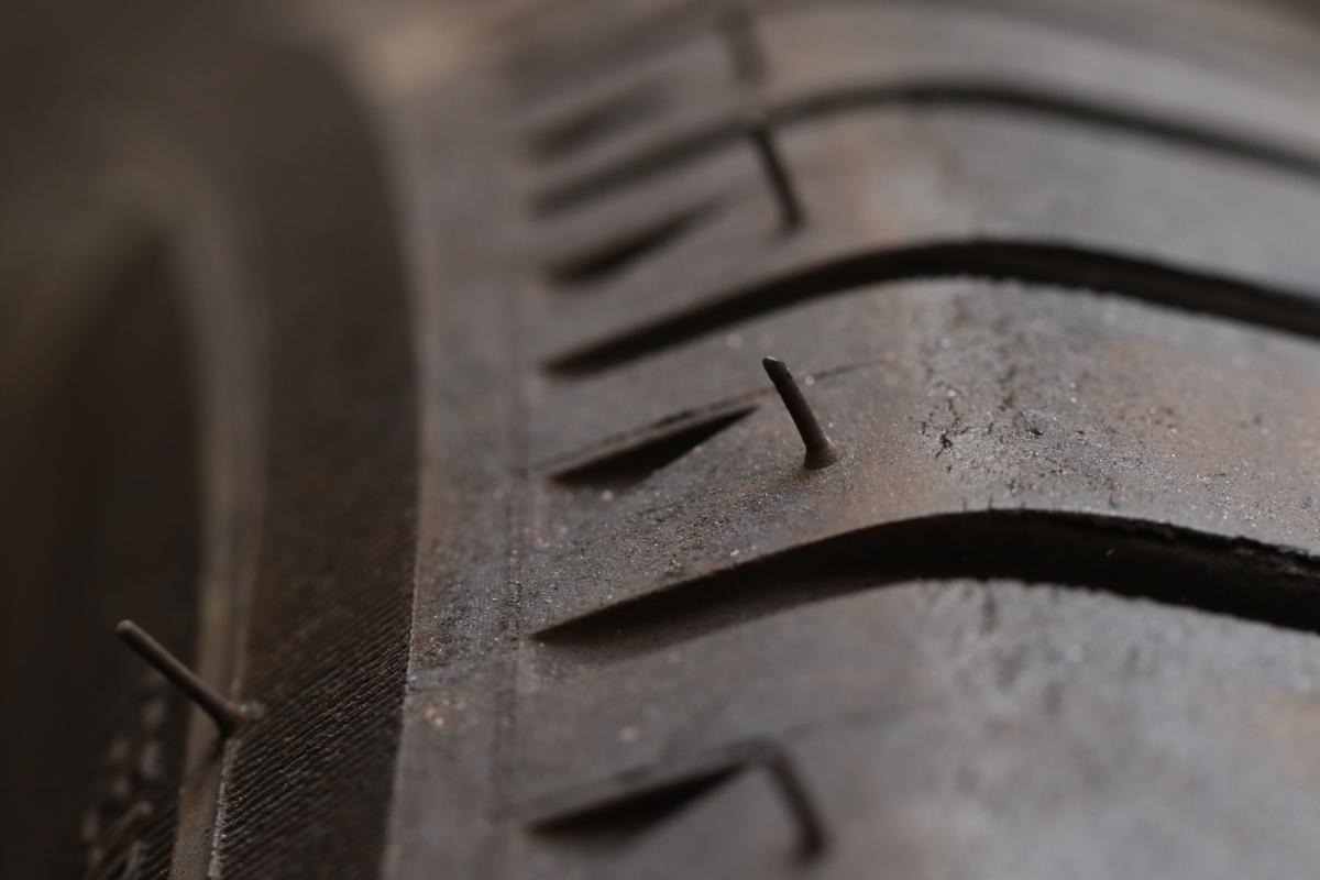 タイヤのヒゲ