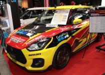 モンスタースポーツは新型スイスポのコンプリートカーを展示!【大阪オートメッセ2018】