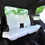 【画像】「高級ミニバン」vs「高級セダン」 後席で移動するならどちらが快適か