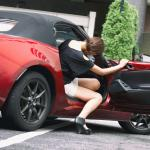 女子がデートでスポーツカーを嫌がる本当の理由とは