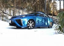 燃料電池車のトヨタMIRAIでスキーに行けるのか? フェルディナンド・ヤマグチが挑戦