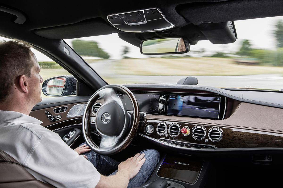 完全自動運転技術が実現・浸透すれば事故ゼロの社会が訪れるのか?