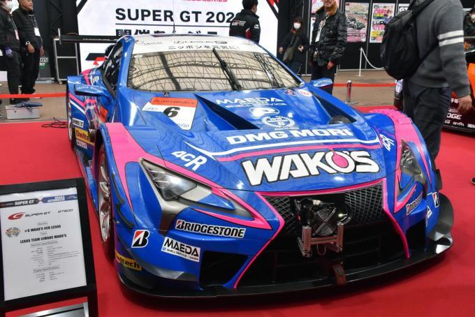 スーパーGTマシンが目の前でエンジン始動! チャンピオンマシンそろい踏み【大阪オートメッセ2020】