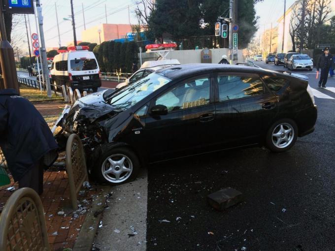 【信号機・ETCゲートバー・カーブミラー!】道路にある設備を事故って壊すといくらかかる?