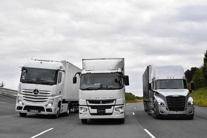 「事故減少」「ドライバーの高齢化&不足」の解決に! 「物流革命」大型トラックの隊列走行の実現はまもなく