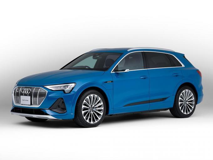 アウディの新世代EVにSUVボディ「Audi e-tron」を追加設定! 71kWhバッテリー搭載モデルも用意