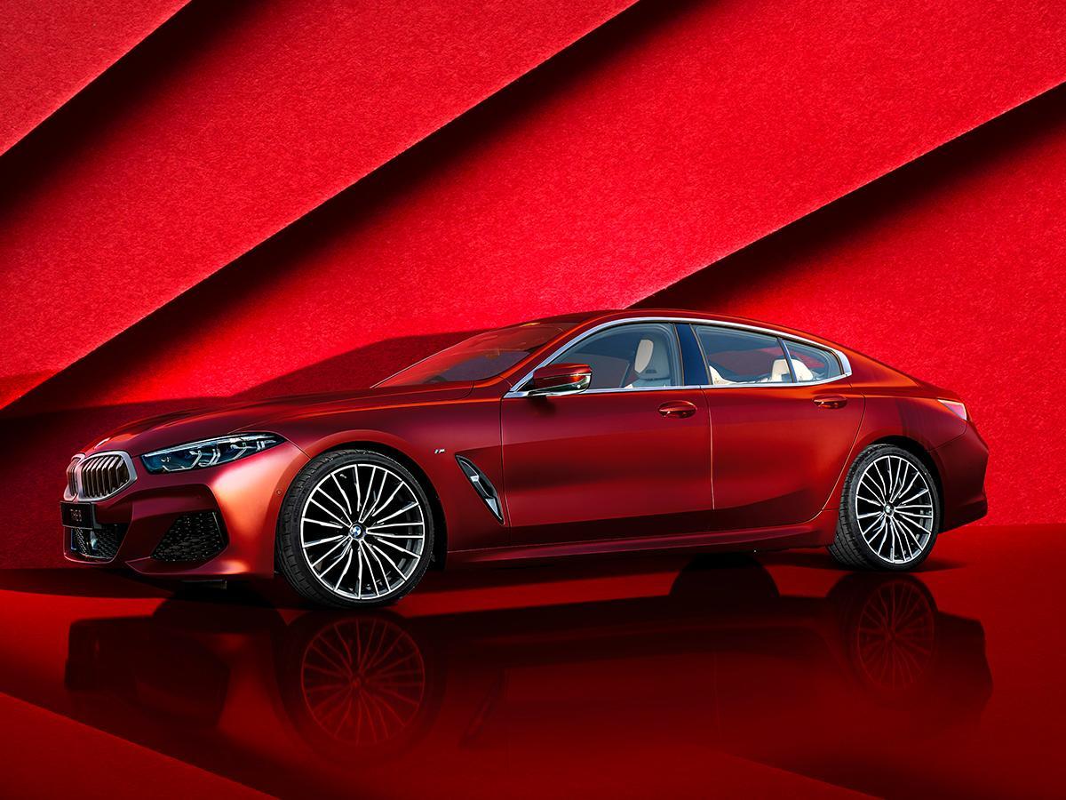 BMW 8シリーズグランクーペの限定車「コレクターズエディション」が発売! 特別なボディカラー&インテリアカラーを採用