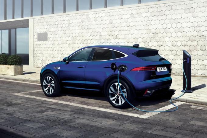 ジャガー初のプラグインハイブリッド! EペイスPHEV導入記念の限定車「ローンチエディション」が20台限定発売