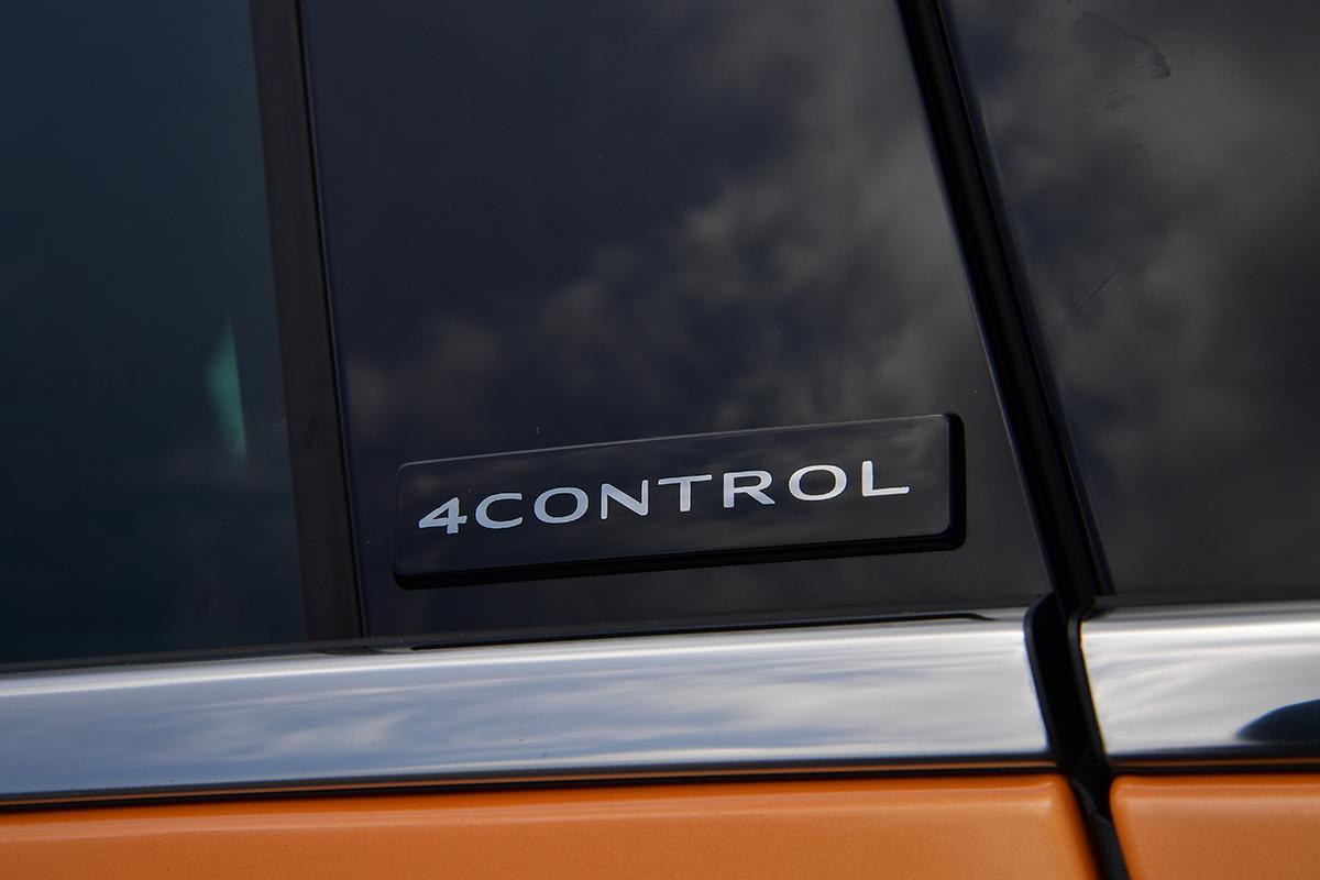 ルノー・メガーヌR.S.の4コントロールのエンブレム