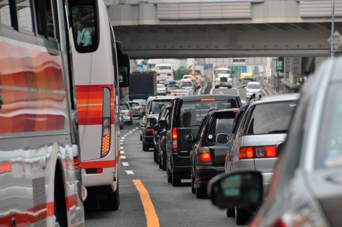 犠牲心が必要! 改善効果が証明された「渋滞吸収走行」の中身と今後の課題