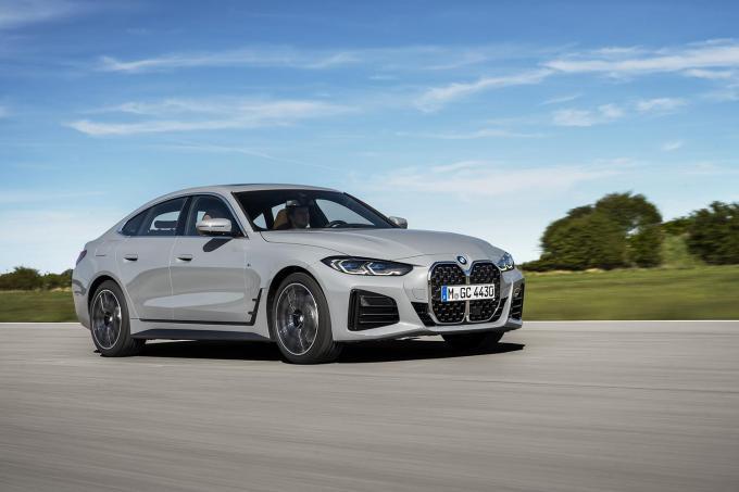 クーペのエレガントさと4ドアの機能性を持つ人気モデルが新型に! BMW 4シリーズ グラン クーペが登場