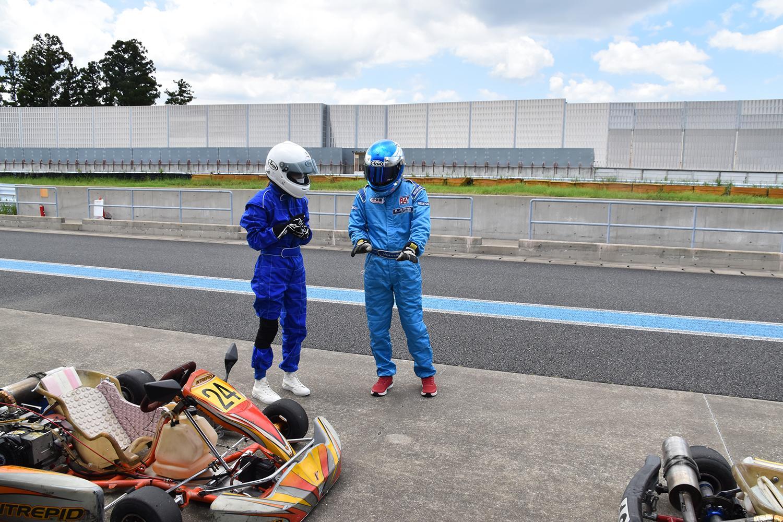 左足ブレーキを使いこなしたければレーシングカートで学べ