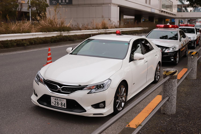 警察も使う「覆面パトカー」は通称! 意外と知らない「正式な名称」とは