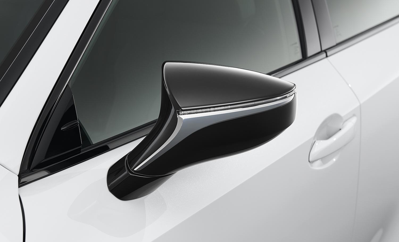 レクサスIS F SPORTに黒をテーマにした2台の特別仕様車を設定!